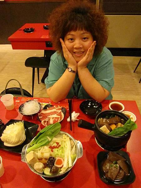 20110804吃難吃的火鍋11.JPG