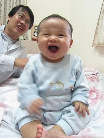 20111119阿愷去苡馨家滾床24.JPG