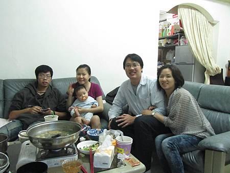 20111119阿愷去苡馨家滾床48.JPG