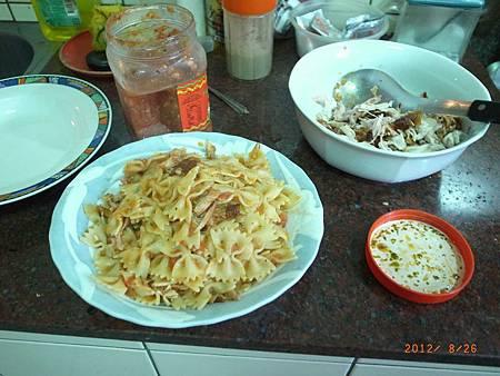 20120826難得下廚煮義大利麵12