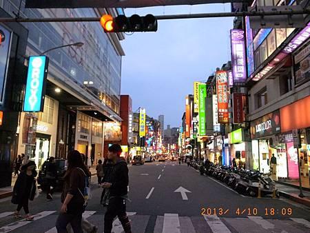 20130410跟久違的小高拿護照&看電影11