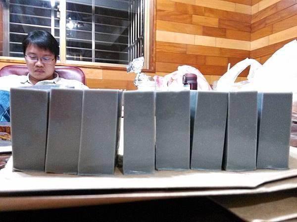 20150330茶樹竹炭皂切片07.jpg