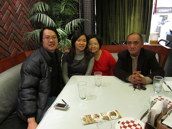 20110204娘家聚餐-FE21加州洋食04.JPG