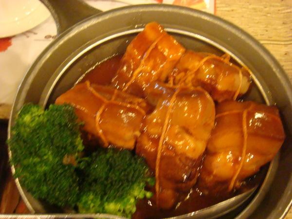 玉蘭東坡肉