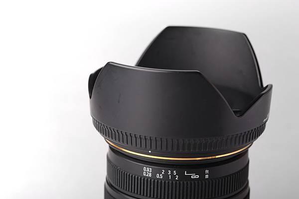SIGMA 17-50 2.8 遮光罩有些許使用痕跡 已售出