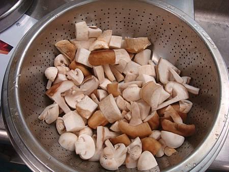 菇類對切.JPG