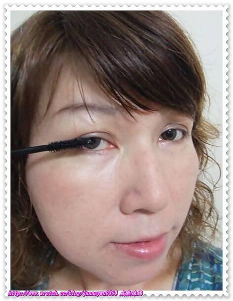 黑睫毛膏使用