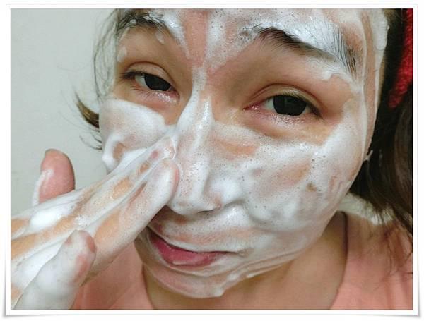 潔顏乳使用2.jpg