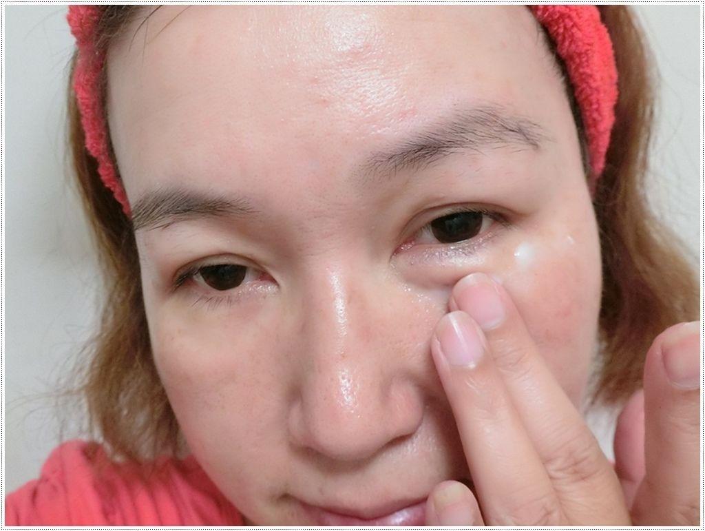 眼霜使用1.JPG