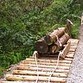 山裡拖移木材的台車