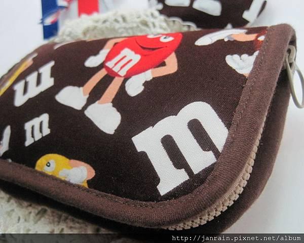 mm巧克力拉鍊布夾包