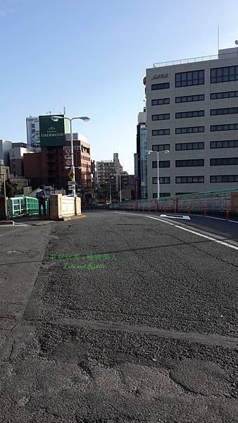 日本 鶯谷車站 - 外面出口.jpg