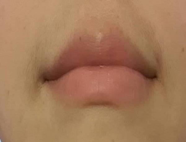 唇膜-水嫩唇-性感唇-撫皺唇紋-包裝-使用後.jpg