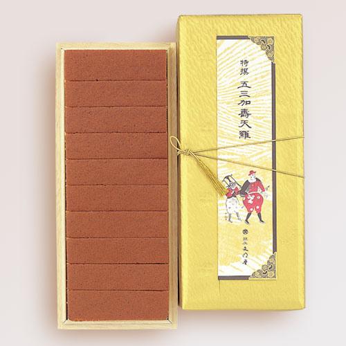 主要材料有雞蛋、和三盆糖、、蜂蜜、麵粉等烘培製成。    特撰蜂蜜蛋糕 -精緻盒 303 x 131 x 80mm  (10片裝入一盒)  代購價NT$1060元(不含運)