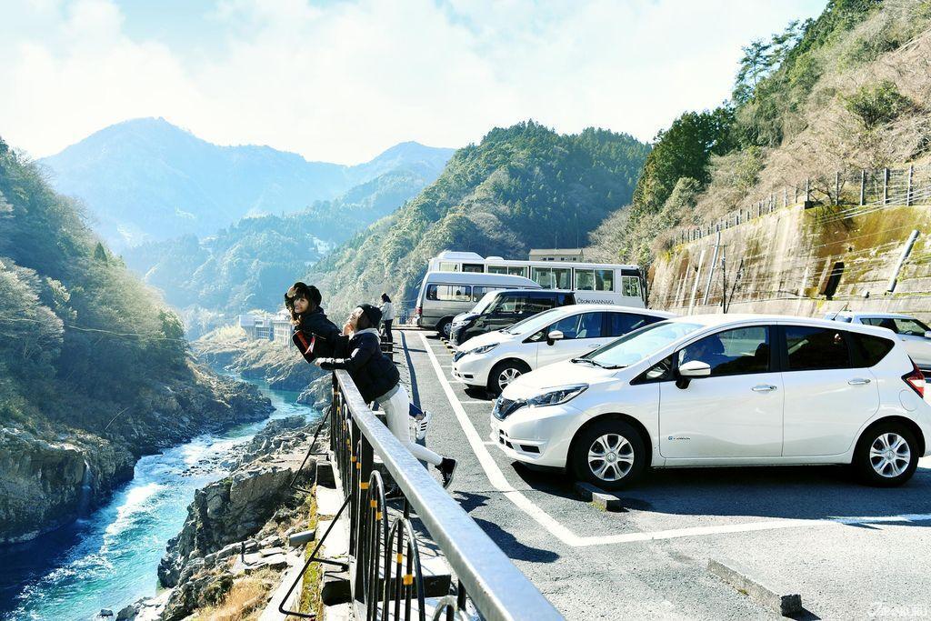 Nissan_CC12_OG.jpg