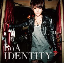 BoA (CD+DVD)_封面照.jpg