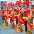 35沖繩傳統宮廷舞(使用圖檔請註明「(財)沖繩觀光會議局提供」.jpg