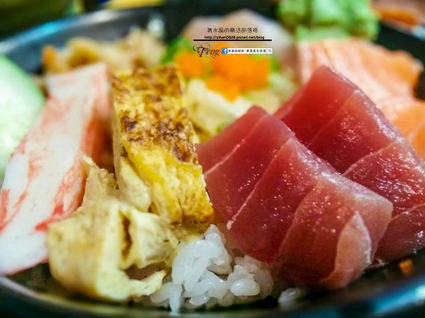 百元美食的生魚片丼