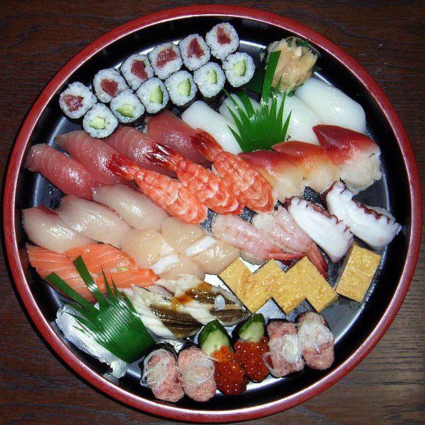 日本料理的特色菜:超大壽司