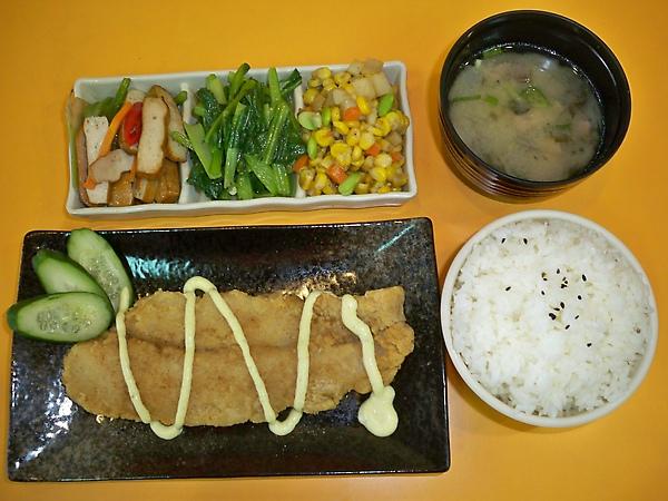 日式鱈魚排定食