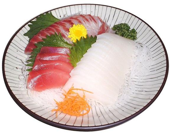 日本餐的生魚片