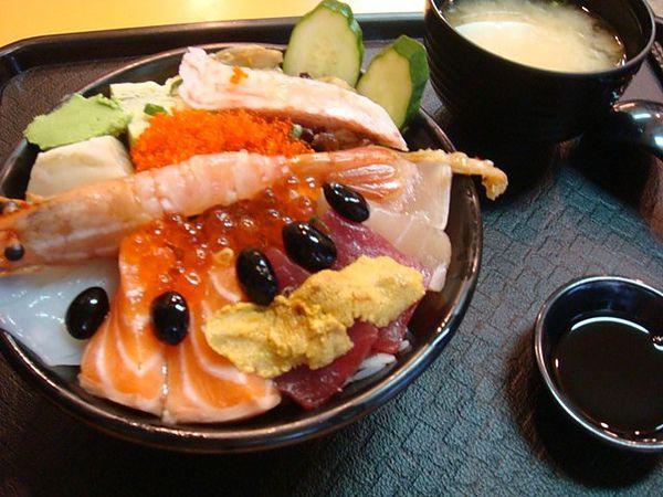 豪華海鮮蓋飯=無敵海鮮蓋飯