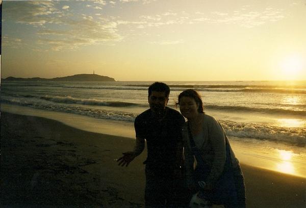 我和Nobu在海邊戲耍~