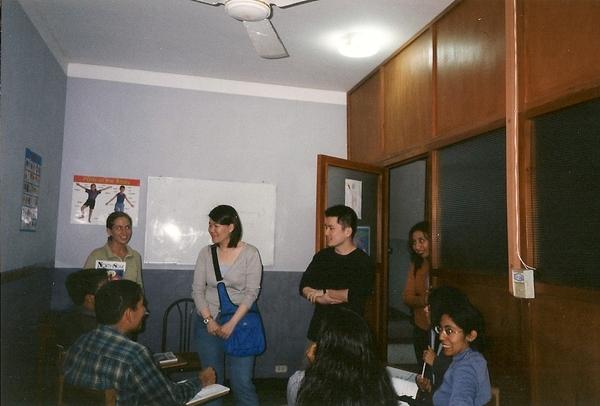 Marily姐姐lily開了一個英文學校