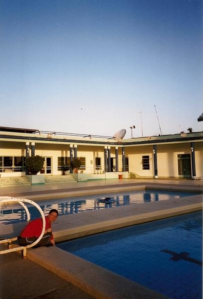Marilyn的社區附設游泳池