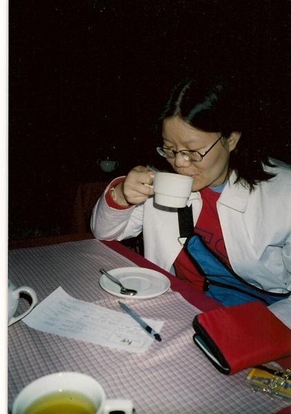 在庫斯科Cuzco住一晚,一坐下來飯店就會上來一壺古柯葉煮的茶,用來減輕高山症的症狀