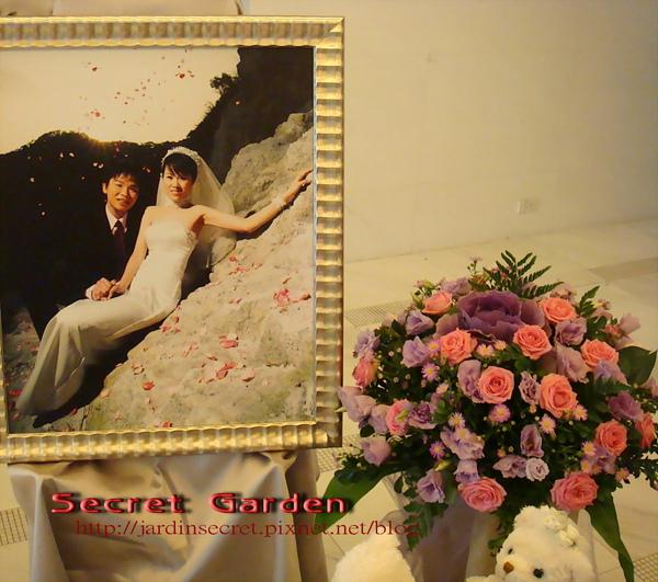 婚禮佈置~維多麗亞-有花相伴的新人最美.jpg