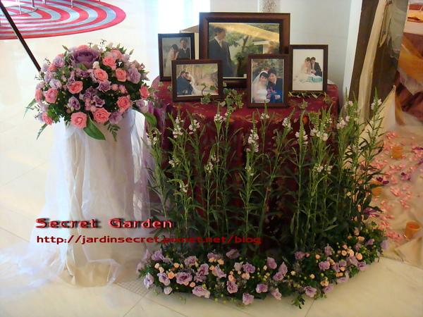 婚禮佈置~維多麗亞-花園中的相片區.jpg