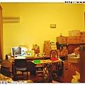 搬回花蓮幾天了,還沒空整理,先利用大電腦桌趕工作
