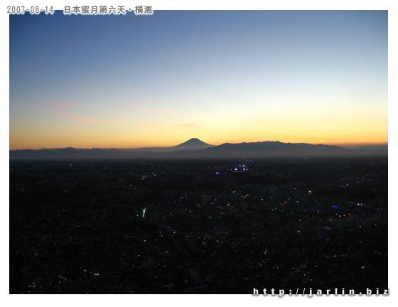 雲海上的富士山