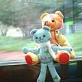 熊熊搭公車