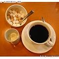 附餐熱咖啡