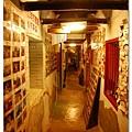 這個走廊有很多明星造訪的照片
