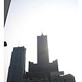 前往我們要住的85大樓