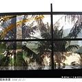 世運站主要的藝術裝置就是數位彩繪玻璃...