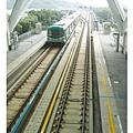 月台上看捷運列車進站