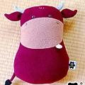 20090104_大紅牛抱枕