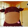 偷心大聖PS男_大紅牛抱枕02(by Jarlin).jpg
