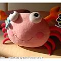 20101222_螃蟹抱枕03.jpg