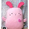 20110112-小粉兔抱枕02.jpg