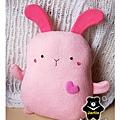 20110112-小粉兔抱枕01.jpg