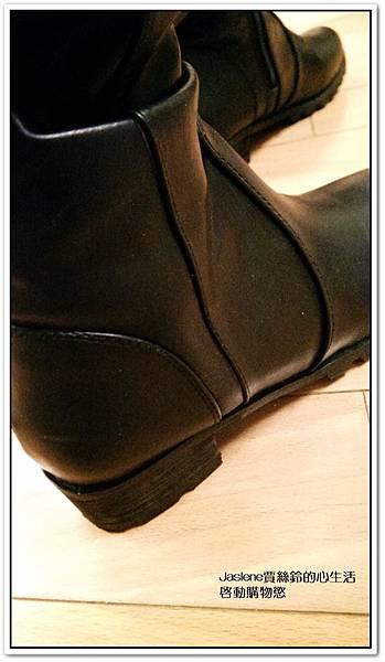 好搭必買黑色帥氣的平底膝上靴2