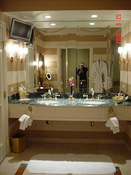 最喜歡它的大浴室 泡澡還可收看中天頻道
