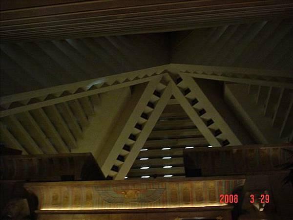 金字塔內部