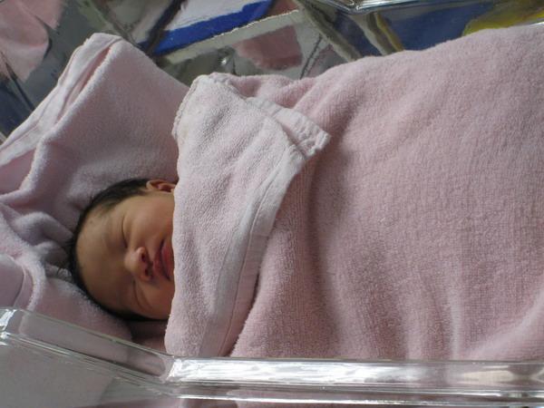 961127新光醫院出生第二天1.JPG