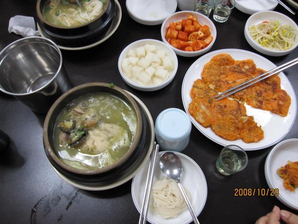 047_鮑魚人蔘雞+人蔘酒+長壽麵1.JPG